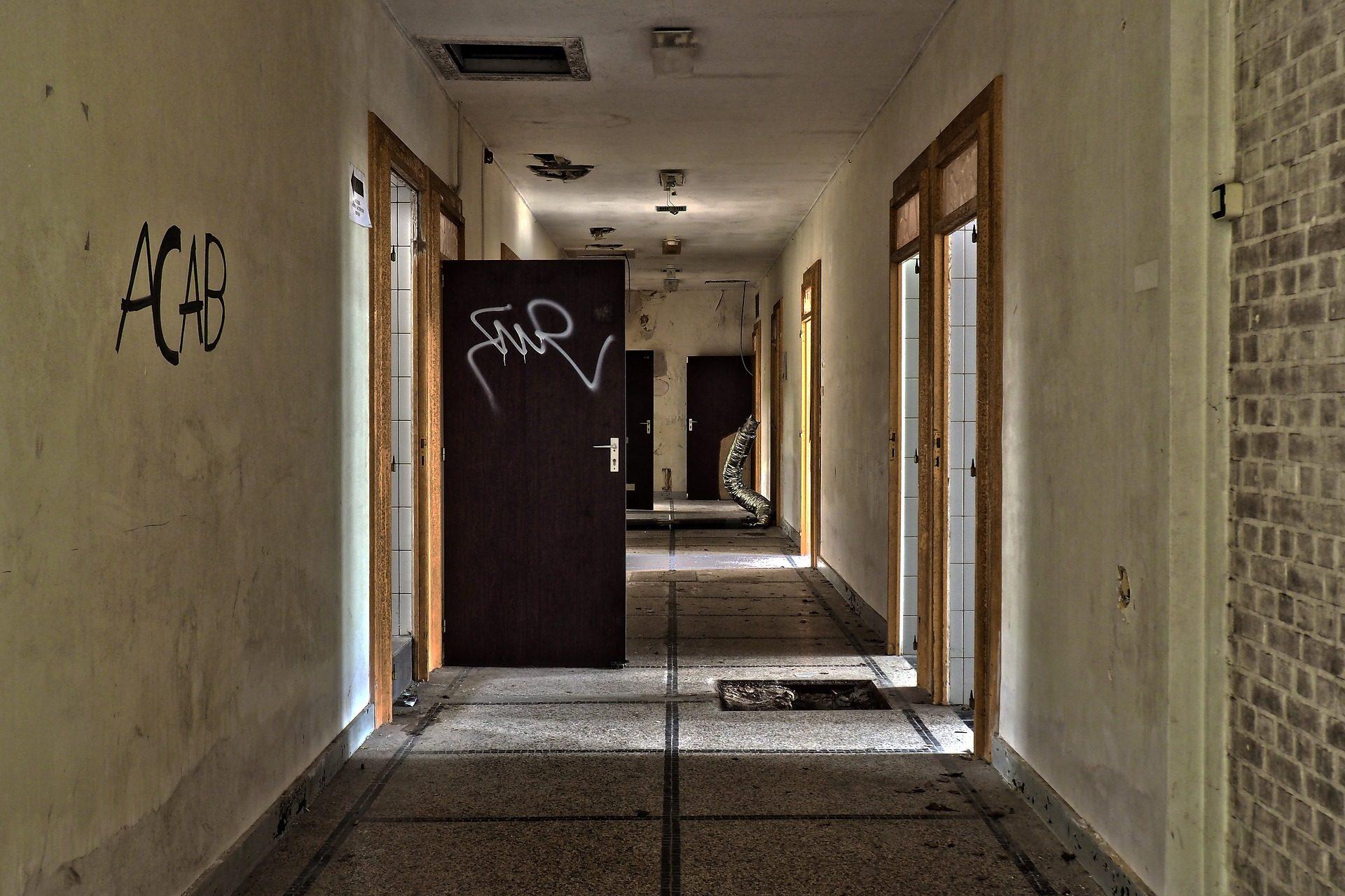 door-3246368_1920