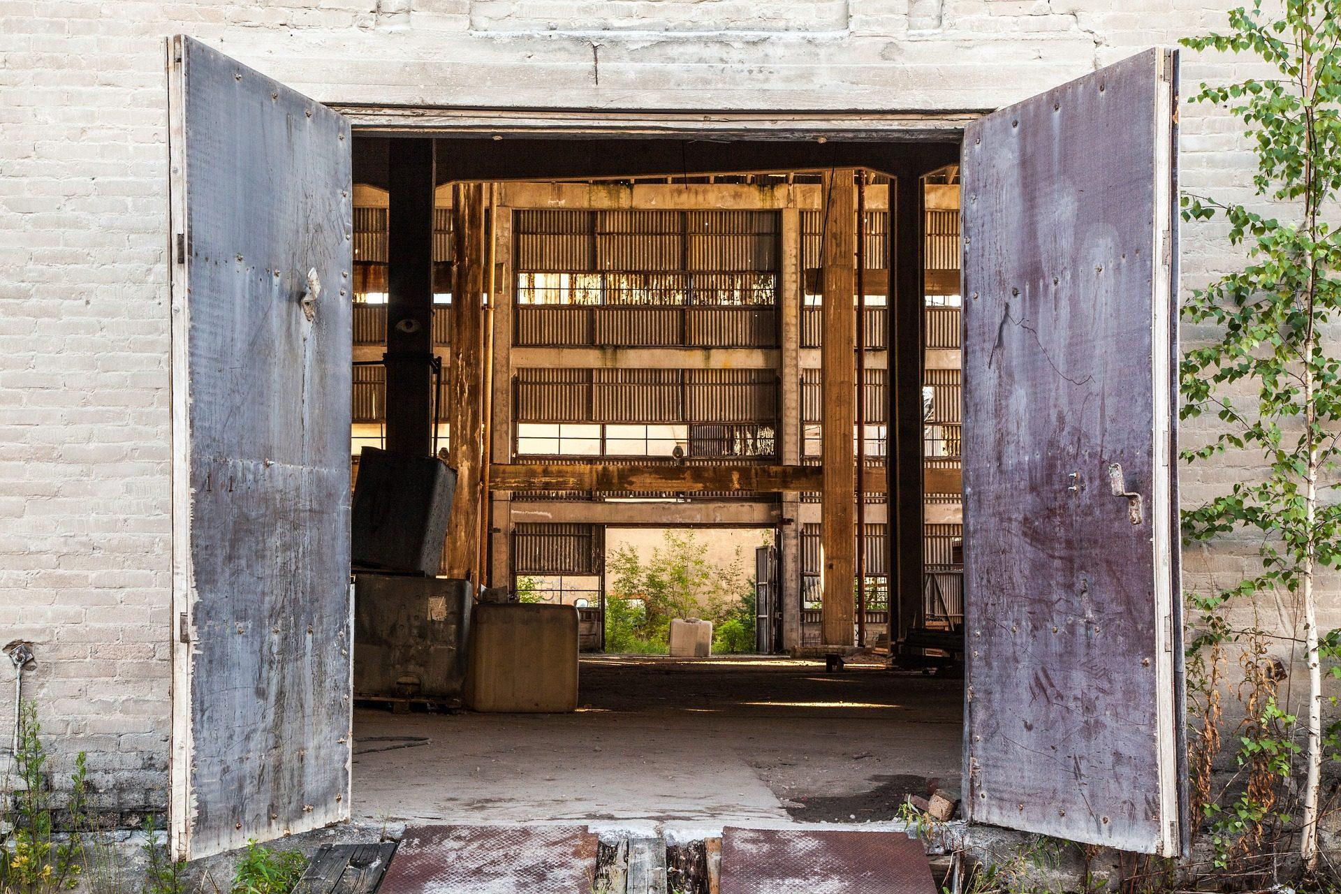 open-door-1531765_1920